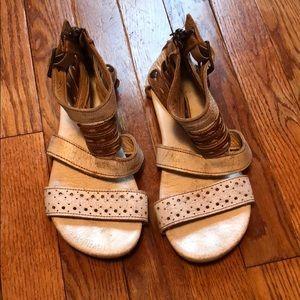 Used Bed Stu sandals
